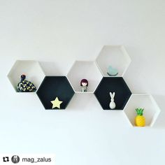 Cieszymy się niezmiernie kiedy nasze produkty trafiają do tak kreatywnych ludzi jak @mag_zalus ✌️ / our hexagon shelves at @mag_zalus doughter's room #hexagon #hexagons #hexagonshelf #honeycombshelves #scandinavianhome #monochrome #blackandwhite #girlsroom #boysroom #walldecor #simplicity #simpledesign #handmade #madeinpoland #creative #diyshelf #diy #kidsroom #kidsinterior #vscocam
