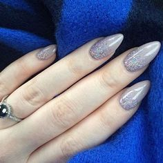 Almond Nails are goals baby! Almost all almond nails are acrylic nails or fake nails but every once and a while a girl is wild enough to shape her natural nails as almond nails. We searched for some of the best almond nails we could find. We based it on color, designs, uniqueness and just overall beauty. You will see some of the most creative almond nail designs from across the web. We hope you enjoy almond nails as much as we do! Below are our two favorite Almond Nail items... ECBASKET Gel…