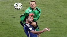 Por qué el árbitro italiano no cobró el penal de Neuer a Higuaín en la final del Mundial de Brasil 2014 - Infobae