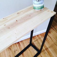 DIY Modern Entryway Table – Mom in Music City Narrow Entry Table, Entryway Table Modern, Entryway Decor, Entryway Tables, Entry Table Diy, Entryway Ideas, Modern Table, Diy Coffee Table, Diy Table
