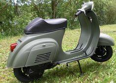 Vespa RAL 6031  Bronzegruen Lackierung Bild 2 Vespa V50, Vespa Lambretta, Vespa Scooters, Scooter Motorcycle, Bike, Scooter Garage, Vespa Smallframe, Classic Vespa, Retro Scooter