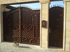 Main entrance door with grill 44 Ideas Compound Wall Gate Design, Gate Wall Design, House Main Gates Design, Front Gate Design, House Design, Wrought Iron Driveway Gates, Iron Garden Gates, Iron Gates, Main Entrance Door