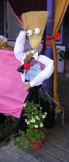 Door County Broomstick scarecrow