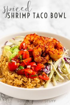 Feeling like an easy but healthy dinner? This shrimp taco bowl is your answer. Spiced shrimp, cilantro slaw, fresh pico de gallo and diced avocado for the win! Shrimp Recipes, Fish Recipes, Mexican Food Recipes, Ethnic Recipes, Pescatarian Diet, Pescatarian Recipes, Vegetarian Tacos, Vegetarian Recipes, Healthy Recipes