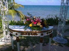 Flores para bodas en Cancún y Riviera Maya.  www.floreriazazil.com Contacto: ventas@floreriazazil.com #floreriasencancun #floreriaencancun #floreriazazil