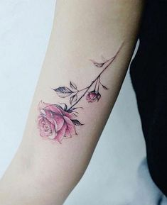 200 Photos of Female Tattoos on the Arm to Get Inspired - Photos and Tattoos - Flower Tattoo Designs - Tattooist Banul rose tattoo - Tattoos Skull, Hot Tattoos, Body Art Tattoos, Girl Tattoos, Sleeve Tattoos, Tatoos, Tattoo Fonts, Tattoo You, Arm Tattoo