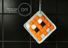 Free crochet pattern for potholders Knit Or Crochet, Crochet Granny, Free Crochet, Yarn Bombing, Pixel, Trends, Yarn Crafts, Diy, Pot Holders