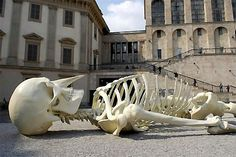 New Art /Giant model of a human skeleton by Gino De Dominicis