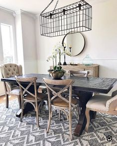graceful farmhouse dining room design ideas that looks cool 1 Woven Dining Chairs, Dining Room Chairs, Dining Room Furniture, Rustic Furniture, Dining Rooms, Dining Area, Ikea Chairs, Dinning Table, Dining Room Wall Art