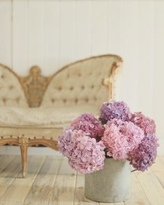 Simple pine floors, a delicate vintage settee & an old zinc bucket full of the most gorgeous hydrangeas. Pretty sure that's all this space needs right now. A bit of relaxing this evening and early to bed for an early morning wake up call. Excited to share more about what I'm up to tomorrow. And I know a lot of you are watching the #goldenglobes- enjoy your evening!! #evening #hydrangeas #vintage #flashesofdelight #attic