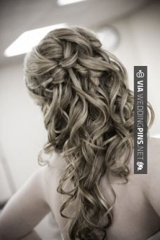 Awesome - Half Up Wedding Hair wedding hair Bridal Hair Down, Half Up Wedding Hair, Modern Hairstyles, Down Hairstyles, Graduation Hairstyles, Wedding Hairstyles, Natural Hair Styles, Long Hair Styles, Half Updo