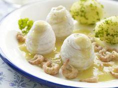 Tongrolletjes met botersaus en Noordzee-garnalen