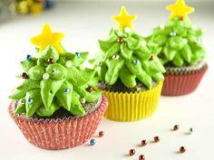 Cupcakes de árvore de #natal! http://vilamulher.terra.com.br/cupcake-de-arvore-de-natal-aprenda-a-fazer-4-1-75-1416.html