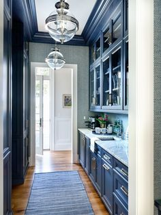 Tour a Marika Meyer Designed Home and More! Kitchen Butlers Pantry, Butler Pantry, Interior Modern, Interior Design, Pantry Design, Home Kitchens, Dream Kitchens, House Tours, Kitchens