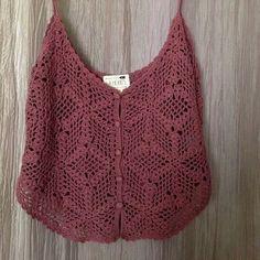 Fabulous Crochet a Little Black Crochet Dress Ideas. Georgeous Crochet a Little Black Crochet Dress Ideas. Crochet Shirt, Crochet Crop Top, Crochet Lace, Crochet Hearts, Diy Summer Clothes, Diy Clothes, Crochet Bodycon Dresses, Bikinis Crochet, Crochet Summer Tops
