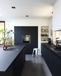 kitchenislands Bedroom Decorations For Kids Gone are the Black Kitchens, Home, Interior Design Kitchen, Interior Design Kitchen Small, Kitchen Dining Room, Home Kitchens, Kitchen Layout, Kitchen Island Storage, Kitchen Design