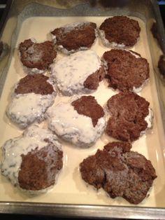 Elgkarbonader Cookies, Chocolate, Desserts, Food, Crack Crackers, Tailgate Desserts, Deserts, Biscuits, Essen