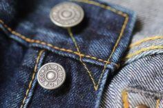 Metal button. Good atmosphere. #flathead #jeans #denim #rawdenim