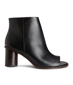 H&M Støvletter med åben tå Zapatos Peep Toe, Black Peep Toe Heels, Peep Toe Shoes, Peep Toe Wedges, Black Booties, High Heel Boots, Bootie Boots, Spring Summer, Outfit