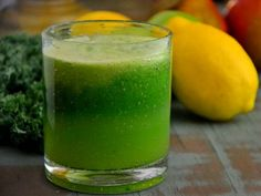10 Amazing Green Juice Recipes To Get You Healthier Than Ever - Juicing and Smoothies Best Green Juice Recipe, Green Juice Recipes, Healthy Juice Recipes, Best Smoothie Recipes, Good Smoothies, Healthy Juices, Healthy Eating Tips, Detox Recipes, Healthy Drinks