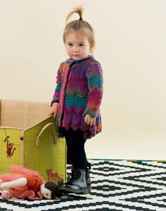 Get ready for winter with the Fatto a Mano 223 Baby knitting pattern book by Lang Yarns. Featuring 25 designs for young children and babies, Lang has created an Autumn Winter collection of cute cardigans, cosy jumpers, adorable hats and scarves, delightful dungarees and dresses as well as patterns for comfy cushions.