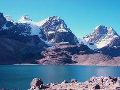 Illimani es una sierra en Bolivia, y es cerca de El Alto y La Paz. Es la sierra mas grande de Bolivia.  Bolivia Photography  Informazioni sul nostro sito   https://storelatina.com/bolivia/travelling #بوليفيا #viajem #બોલિવિયા #comida
