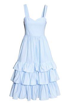 Vestido en popelina de algodón - Azul claro - MUJER | H&M ES Vestido en popelina de algodón con tirantes, cintura entallada, bolsillos en las costuras laterales y cremallera oculta en un costado. Falda con pliegues y volantes en el bajo. Parte superior forrada. Largo hasta las pantorrillas.