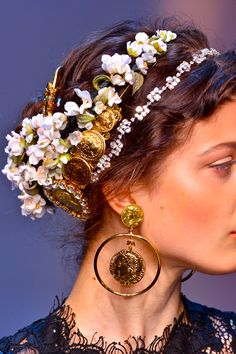 """I like the softness of the flowers paired with the warm gold/bronze tones.  They also soften the """"ice"""" of the rhinestones."""