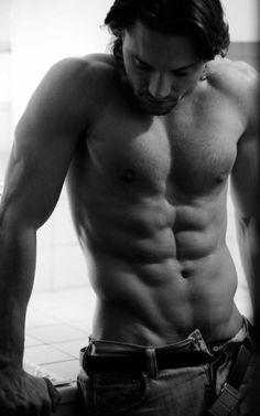 Dudeoir - Dudoir - Male Boudoir - Photography - Black and White - Portrait - Editorial - Pose Idea