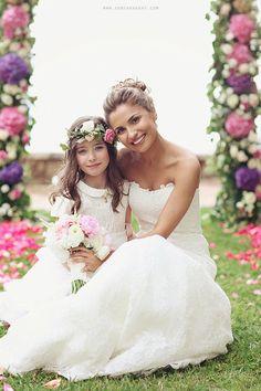 #wedding #bride #beautiful #flowergirl http://sonyakhegay.com/