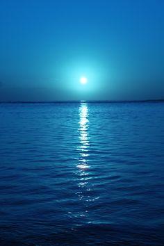 . . . simplicity . . . sunrise . . . blue skies . . . reflections of blue water . . . Kahala Beach, Honolulu, Hawaii.  7:24am Pacific time