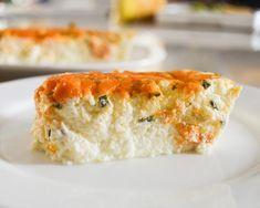 Low carb a keto květákový nákyp se sýrem Vegetable Recipes, Veggie Meals, Lowes, Quiche, Cauliflower, Sushi, Low Carb, Pumpkin, Stuffed Peppers
