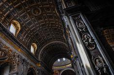 Bazilica Sf. Petru din Vatican  Bazilica Sf. Petru din Vatican, mai mult decât o catedrală - galerie foto.  Vezi mai multe poze pe www.ghiduri-turistice.info Vatican, Sf, Tower, Building, Travel, Rook, Viajes, Computer Case, Buildings