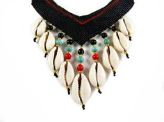 Statement Collier Necklace Cowry Shells Micro Macrame by ValaddaJewelry, €49.00