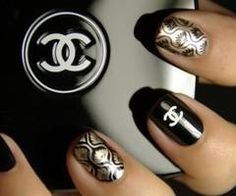 Chanel #nails