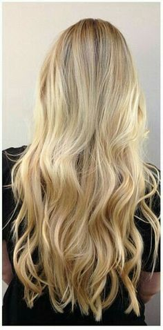 vanilla butter blonde highlights- Can't wait until my hair is this long Good Hair Day, Great Hair, Beauty And Fashion, Hair Color And Cut, Hair Colour, Blonde Highlights, Blonde Color, Ashy Blonde, Beige Blonde