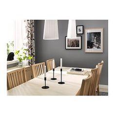 IKEA - BJURSTA, Ausziehtisch, Mit zwei Verlängerungsplatten.Die Tischgröße lässt sich schnell und einfach dem Bedarf anpassen. Mit der Zusatzplatte unter der Tischplatte lässt sich der Tisch für 4 bis 8 Personen erweitern.Die Zusatzplatten lassen sich griffbereit unter der Tischplatte unterbringen, bis sie gebraucht werden.Ein verborgener Mechanismus hält die Zusatzplatte am Platz, ohne dass Rillen zwischen den Platten sichtbar sind.Die klar lackierte Oberfläche ist leicht sauber zu halten.