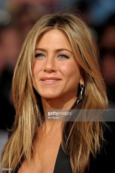 20 inches Caramel Blonde and Golden blonde Highlights Jennifer Aniston Style, Jennifer Aniston Pictures, Beauté Blonde, Brown Blonde Hair, Golden Blonde, Blonde Honey, Medium Blonde, Hair Medium, Hair Colors