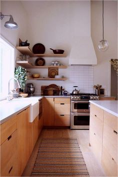26 Best Kitchen Decor Design or Remodel Ideas that Will Inspire You kitchen island with seating for kitchen zen design, kitchen sink ideas, kitchen remodel with whi Interior Simple, Home Interior, Kitchen Interior, New Kitchen, Kitchen Decor, Interior Design, Scandinavian Kitchen Cabinets, Kitchen Ideas, Design Kitchen