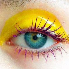 "1,168 gilla-markeringar, 9 kommentarer - Tush Magazine (@tushmagazine) på Instagram: ""Let the sunshine in via @marthamakeupartist #mua #makeup #makeupinspo #eyemakeup #eyesonfleek…"""