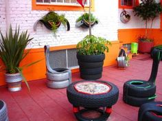 If you have old tires laying around your house then you may want to check out all the cool things you can do with them. Here is a collection of ideas that use old tires. Tire Furniture, Diy Pallet Furniture, Garden Furniture, Do It Yourself Projects, Projects To Try, Reuse Old Tires, Recycled Tires, Recycled Wood, Tire Art