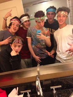 Jack Johnson, Aaron Carpenter, JC Caylen, Taylor Caniff, Jack Gilinsky and Cameron Dallas (MagCon Boys)
