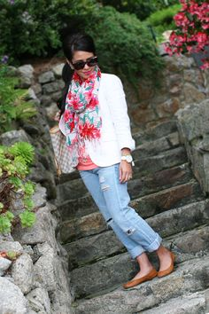Mommy style - floral & boyfriend jeans