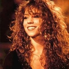 Take a look at the best Mariah Carey makeup in the photos below and get ideas for your cute outfits! MAC x Mariah Carey Mariah Carey Anos 90, Mariah Carey Young, Mariah Carey Lyrics, Curly Hair Styles, Natural Hair Styles, 90s Hairstyles, Celine Dion, Justin Timberlake, Hair Inspiration