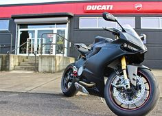 Rocco added a touch of red to his Ducati 1199S dark!