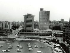 The Phoenicia Hotel Beirut in 1961 Rare Pictures, Vintage Pictures, Beirut Lebanon, Miss World, Picture Photo, New York Skyline, Past, Places To Visit, Houses