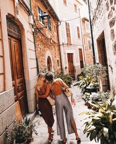 what best friends are for amazing Tagged with aesthetic best friends friendship girls happy light aesthetic light indie q'd travel Photos Bff, Friend Pictures, Travel Photos, Best Friend Goals, Best Friends, Poses Photo, Polka Dot Mini Dresses, Estilo Hippie, Gal Pal