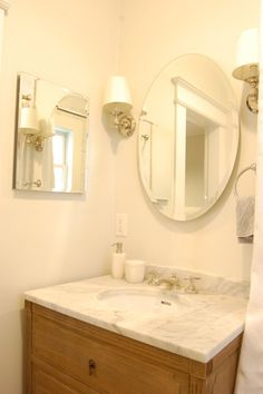 upstairs bathroom - So clean and fresh