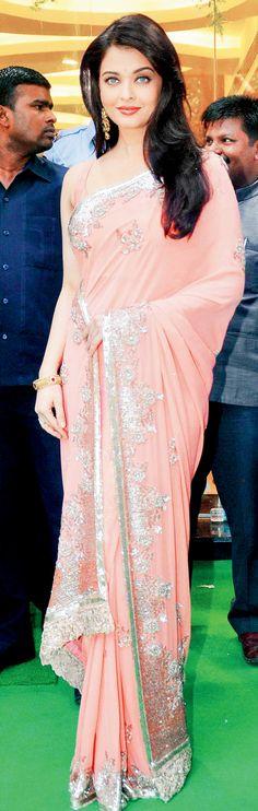 Aishwarya Rai Bachchan at Kalyan Jewellers store launch in Mumbai