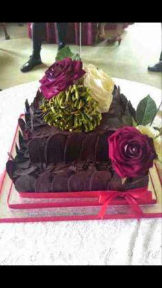 Chocolate shard wedding cake
